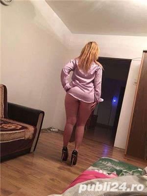 Escorte cu poze: Blonda sexy mall vitan Roxi