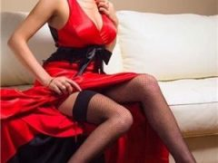Escorte cu poze: lady in red