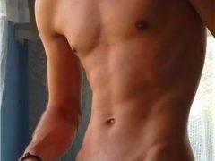 Escorte cu poze: Bi tanar masculin dotat, corp atletic